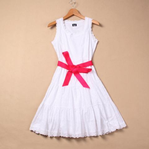 【最強のモテ服!】ワンピースドレスのモノトーンコーディネート!のサムネイル画像