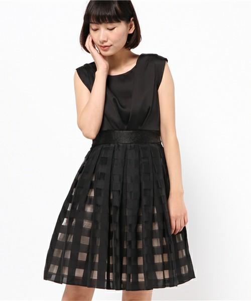 黒のワンピースが可愛い!デートに着て行くなら黒のワンピース♡のサムネイル画像