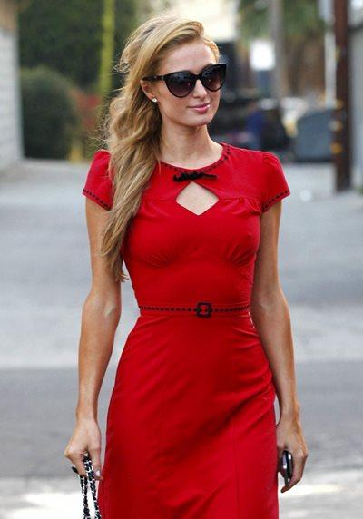 赤のワンピースを着て女子力アップ!赤のワンピースでデート♡のサムネイル画像