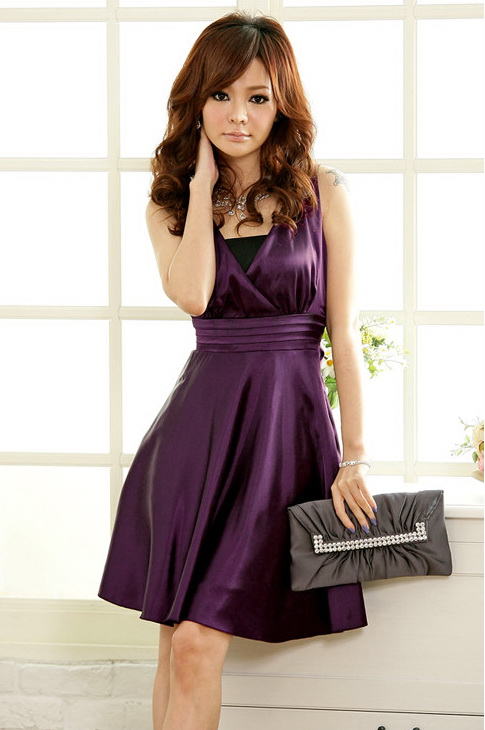 【難しい?】結婚式にお呼ばれしたときのワンピースドレスの選び方のサムネイル画像