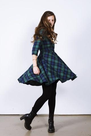 チェック柄のワンピースは季節問わずに着れる♡優秀アイテム♡のサムネイル画像
